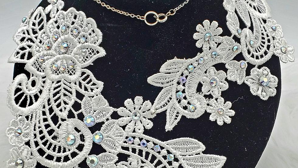 Asymmetrical white lace necklace