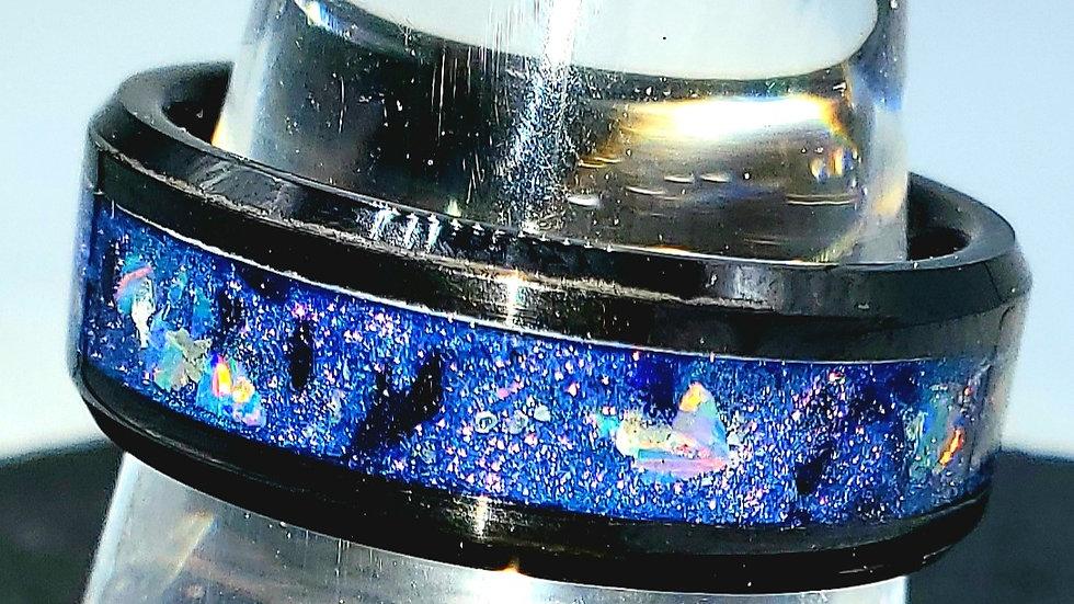 Blue & purple color shift, crushed black stones, gray opal.  Sz. 10