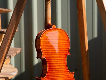 「提琴油性漆」的慢工與科學