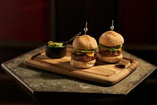 Manhattan_Meatless-Burger.jpg