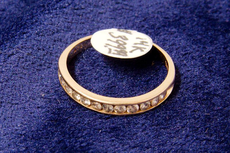 14k Gold Ring 12 diamonds Size 8