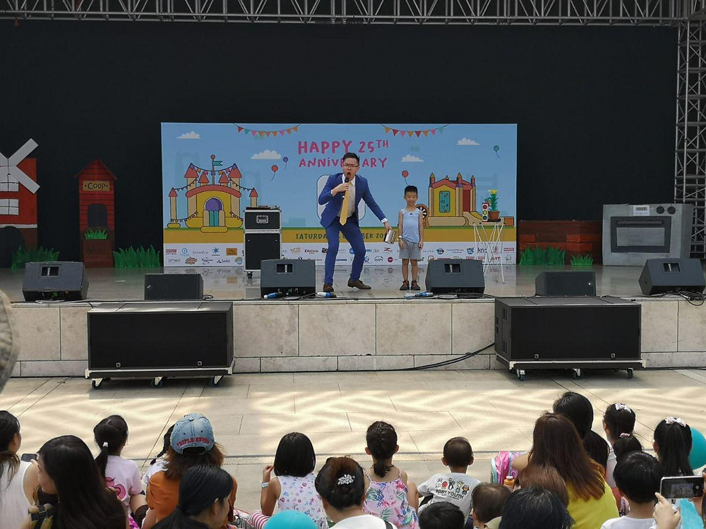 Stage magic show for Kids by Ian Tan
