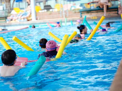 כמה בפעמים בשבוע מומלץ לילדים לשחות?