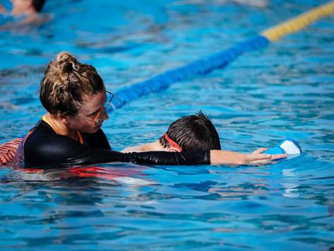 למי מתאימים שיעורי שחייה פרטיים?