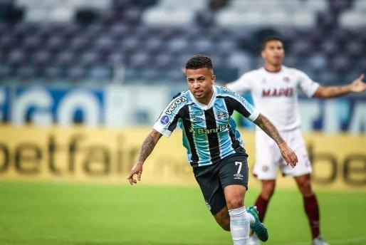 Grêmio vence Lanús e fica a um empate da classificação na Sul-Americana