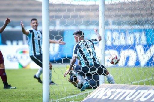 Grêmio vence o Caxias e garante vaga na final do Gauchão