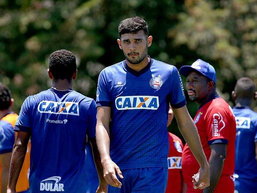 Chapecoense negocia com zagueiro do Bahia