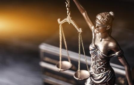 Homem vai indenizar irmão em R$ 15 mil por homofobia, agressão e ameaça em SC