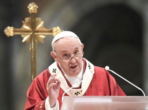 'Não tem salvação. Muita cachaça e pouca oração', brinca papa sobre brasileiros