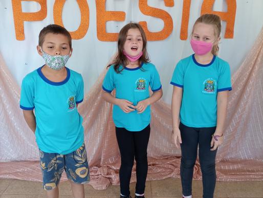 Escola de Flor do Sertão realiza mostra de Poesia