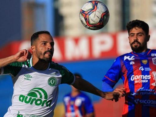 Chapecoense goleia o Marcílio Dias na semifinal do  Catarinense
