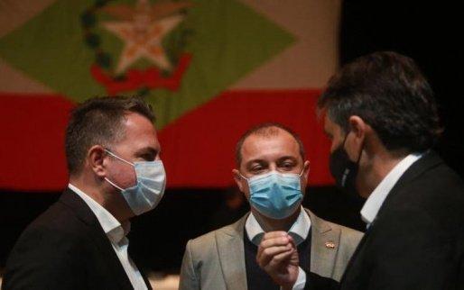 Professores de Santa Catarina serão vacinados contra a Covid, decide governo