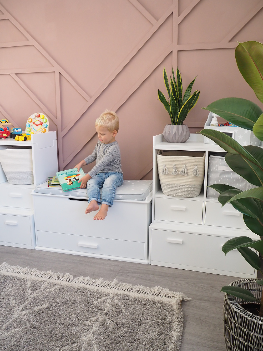 Poppins Toy Chest with Grey Stardust Cushion