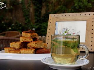 Hotel Burgau/ leitura de Folhas de chá