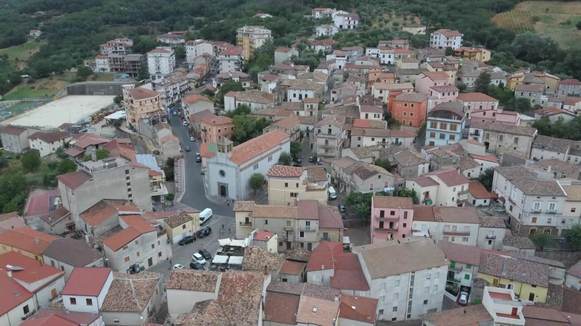 Santa Sofia d'Epiro vista dall'alto