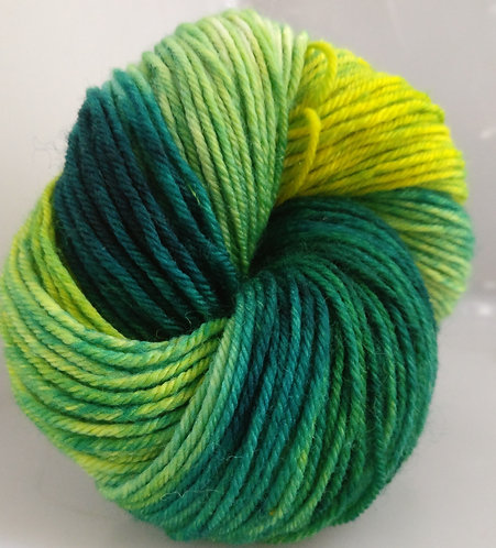 Gorgeous Knits DK 75% Superwash Merino Wool, 25% Nylon Wool - Lena