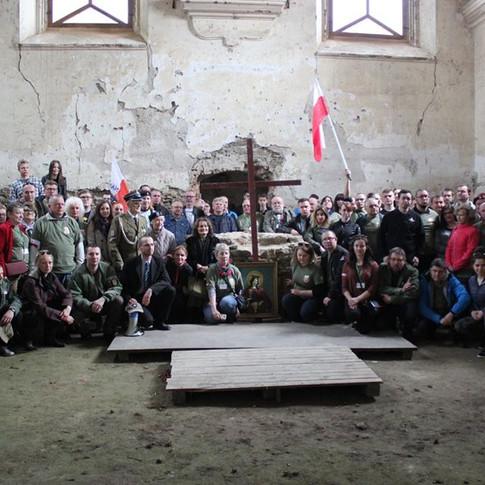 Nasza wielka  Rodzina  NSZ  odaje Hold  Zolnierzom  Brygady  Sietokrzyskiej.jpg