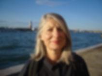 Angela Kingston leads gallery visits