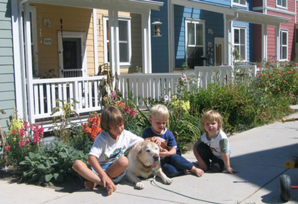 435_NC_3_Kids_on_Sidewalk_2921_copy.JPG