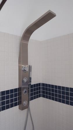 Waterjet sprayers in shower