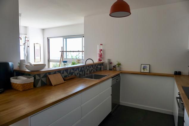 plan de travail sur-mesure en bois et meubles de cuisine Ikea
