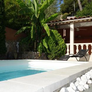 Maison avec piscine *Pieds dans l'eau*