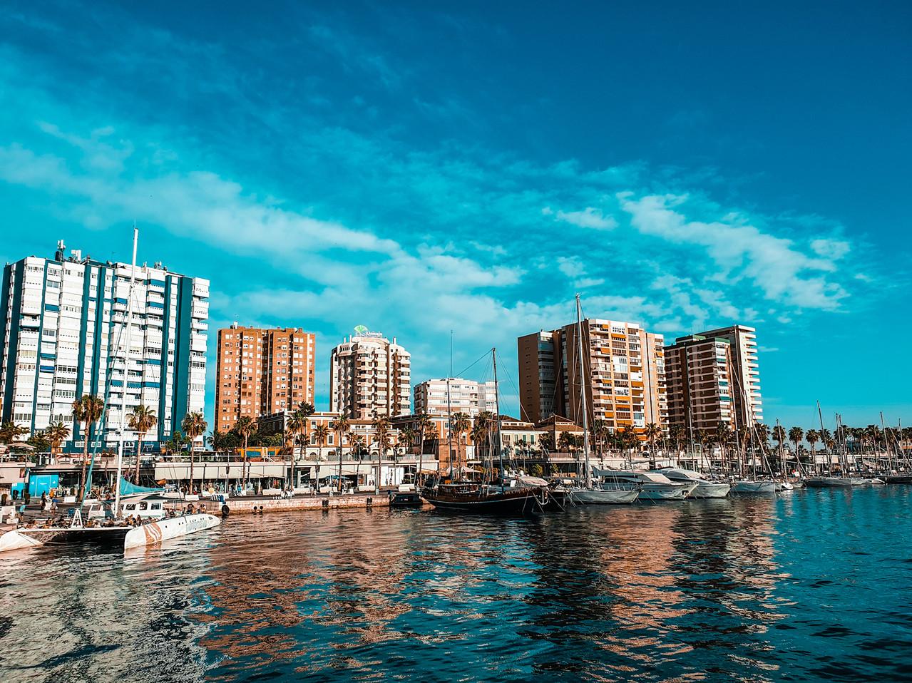 Malaga Hafen- Malaga Harbour - Hafenpromenade - Olivia Libi