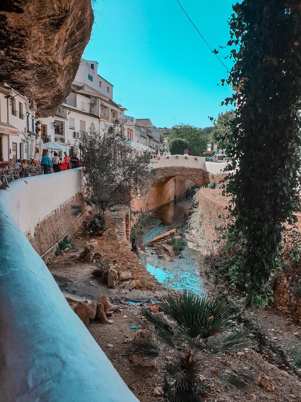 Setenil de las Bodegas - Malaga - Andalusien- Olivia Libi