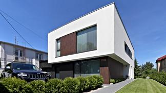 """""""AV"""" HOUSE  - single-family house"""