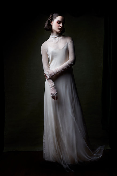 Wedding Dress Whisper N. 110 with long sleeves