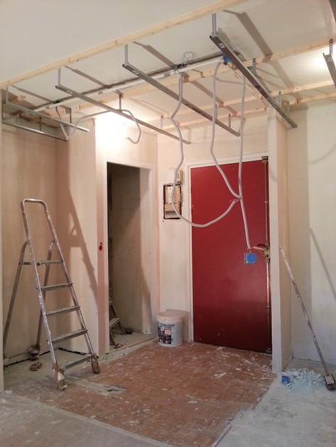Paris 11, en cours réhabilitation appartement, électricité et éclairage, faux plafond et peinture
