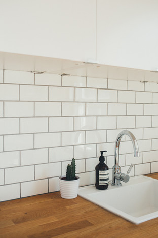 Saint Ouen sur Seine; Installation cuisine complète (meubles, crédence carrelage, plomberie et électricité
