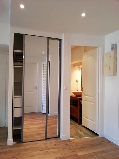 Paris 11, en cours réhabilitation appartement, parquet massif, faux plafond et peinture, création d'une salle de bain par cloison en carreaux de plâtre