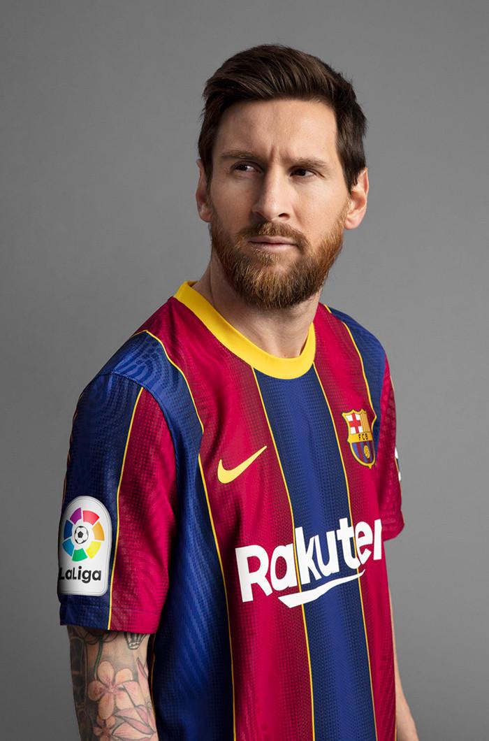Стильная футбольная форма Барселона сезона 20/21 домашняя из инновационного мембранного