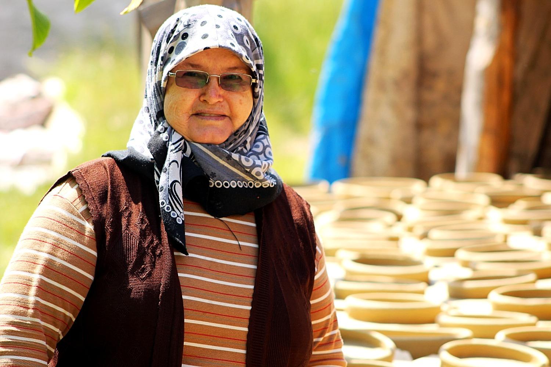 handmade pottery artisan