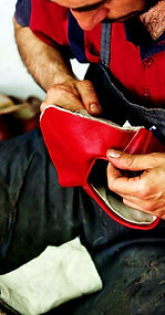 handmade leather shoes artisan, yemeni
