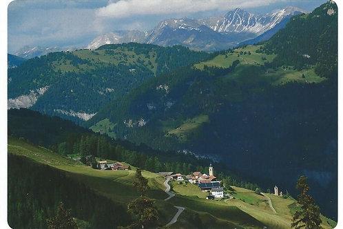 128 Kultur in Graubünden z.B. Mathon, Bergdorf im Val Schons