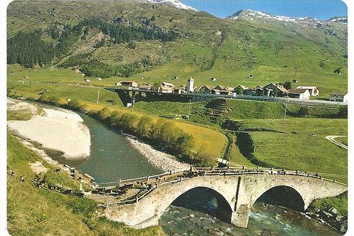126 Kultur in Graubünden, zum Beispiel Hinterrhein mit zahlreichen Ziegen, die..