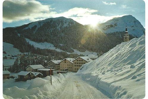 101 Kultur in Graubünden, z.B. Splügen, wo Tourismus, Landwirtschaft und Milch..