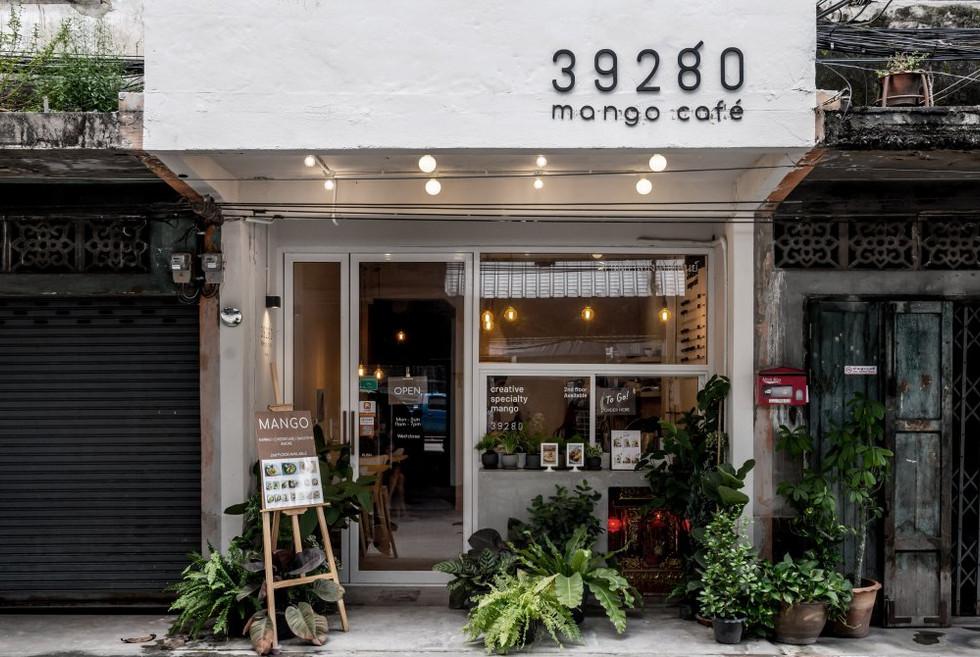 39280 mango cafe