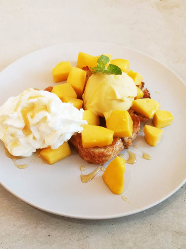 Mango icecream honey toast
