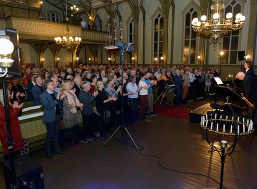 Se bildene fra da Arve Tellefsen inviterte til konsert i Lillesand Kirke