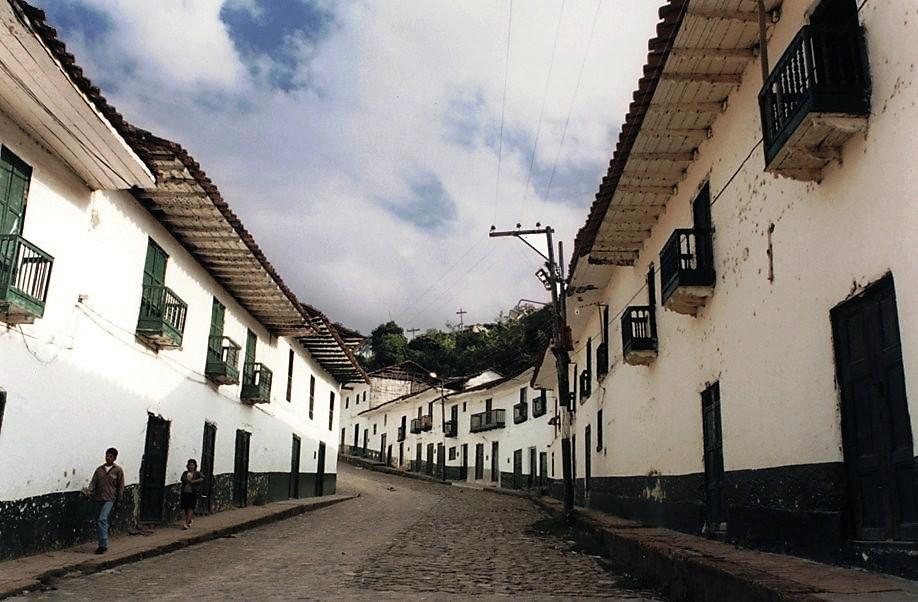 San Augustin, rue du village