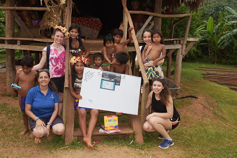 2016 PMA DUROCHER Embera Quera donation ecole M.Leccumberry
