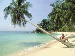 Playa Roatan.jpg