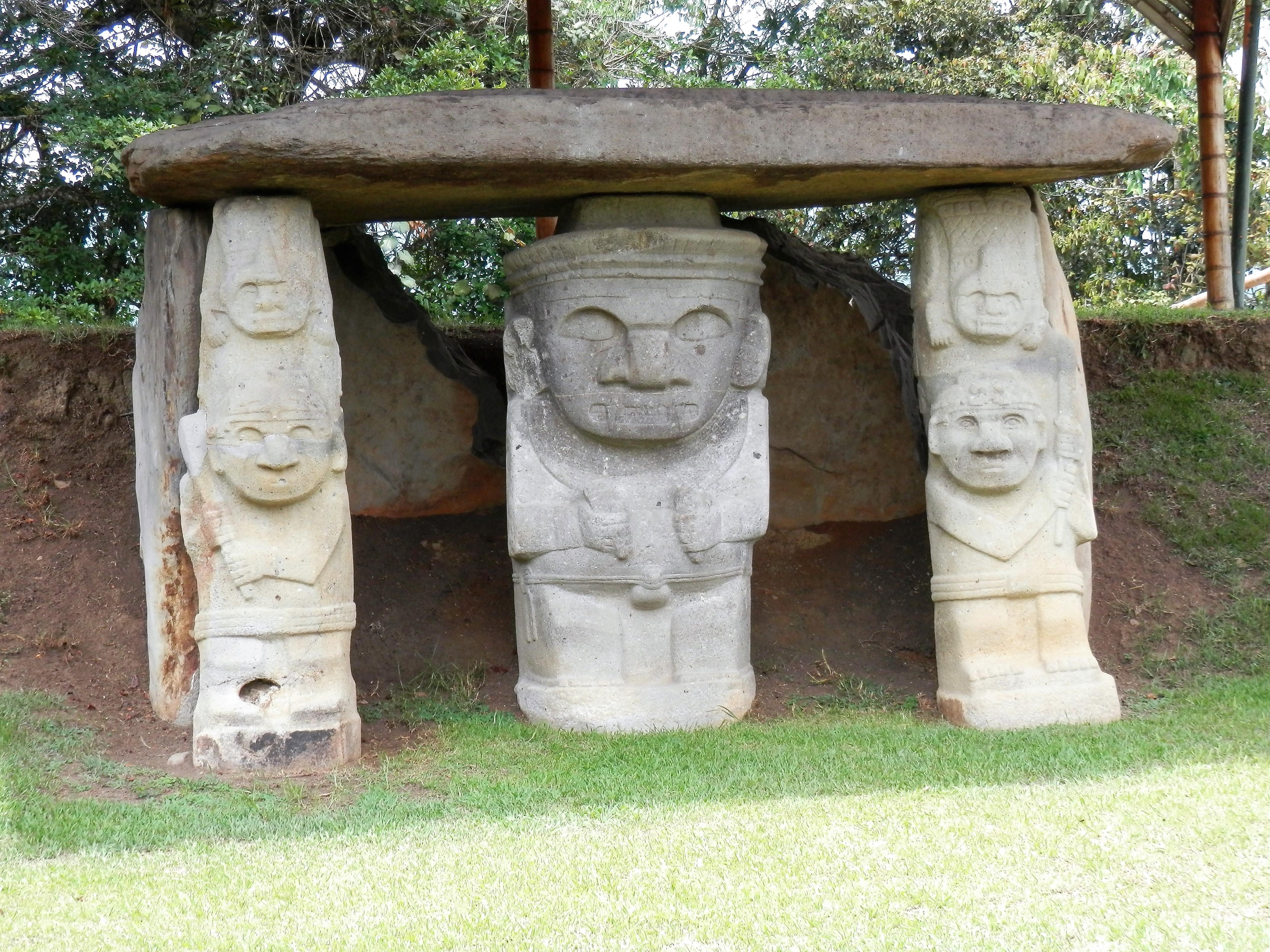 San Augustin, sculptures