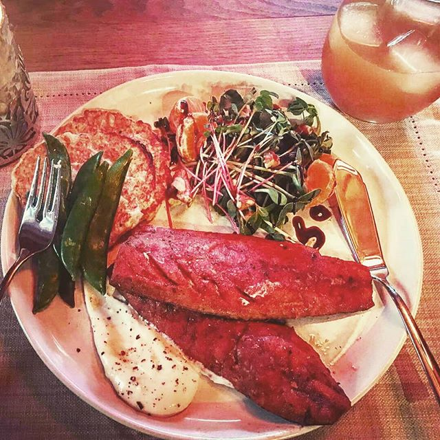 Regrann from _vixbam -  Farmers market Saturday supper at home! _smokeville & _boyle_bros_market_gar