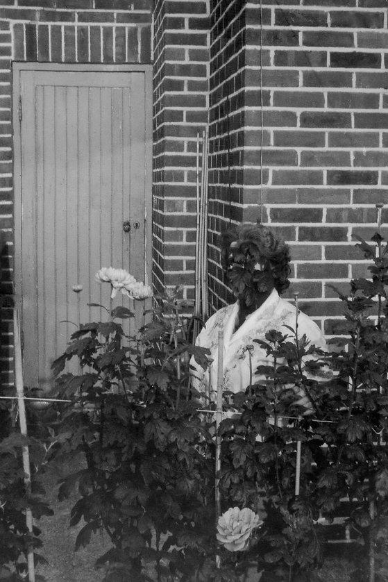 03 - jardins-mulher artista.jpg