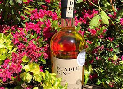 Dundee Cake gin liqueur in the garden