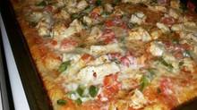 RMR Chicken & Veggie Pizza
